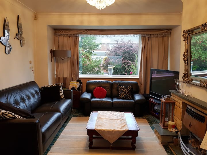 Two Single Bed Room in Cosy, Quiet House at Durham