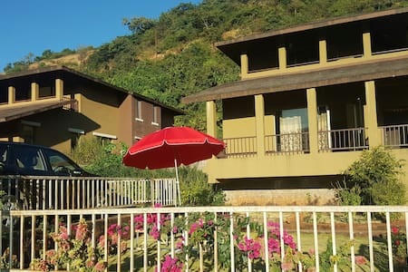 Villa with Perfect Sunrise, Nature and Homely food - Lavasa