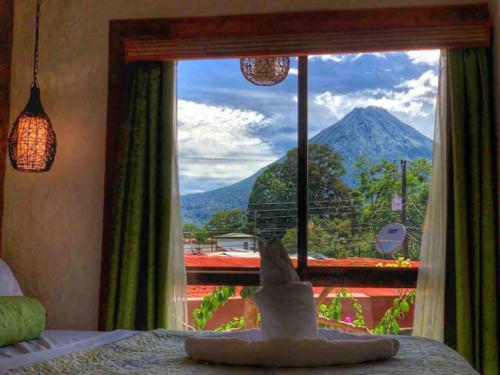 #16 Stylish Rustic Studio & Stunning Volcano View