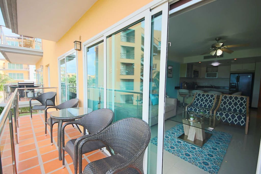 Balcony with outdoor furniture to savor the view!