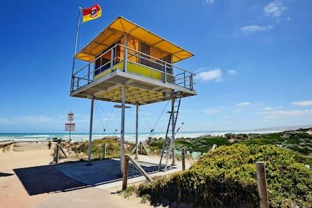 Plank - Goolwa Beach House. Pet & children friend - Goolwa South