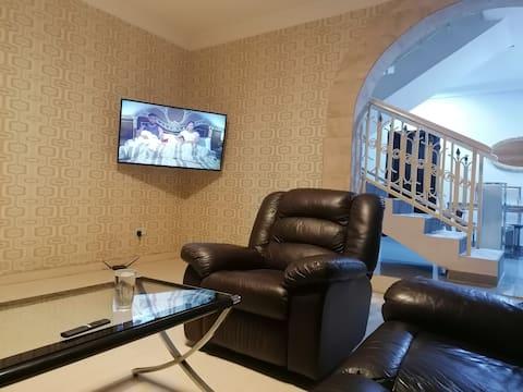 Идеальная чистота 1b Доступная меблированная квартира