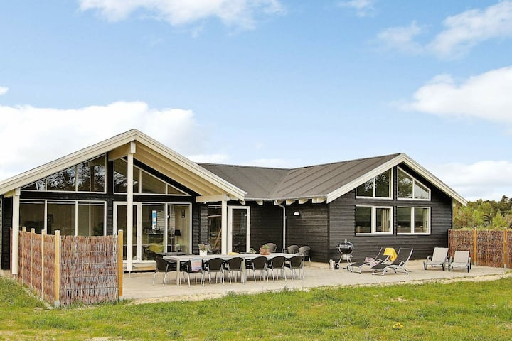 Charming Holiday Home in Ålbæk with Indoor Swimming Pool
