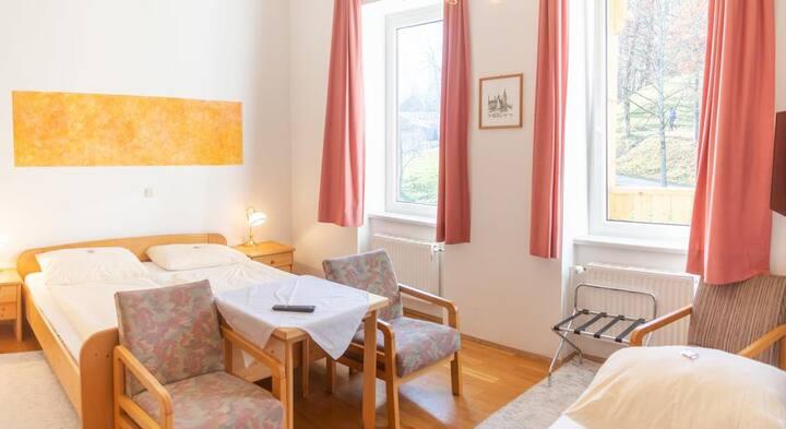 Dreibettzimmer in Bad Ischl