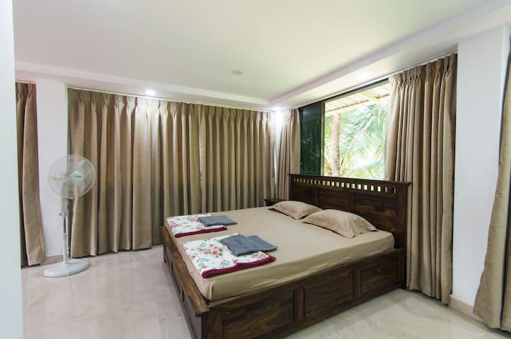 Bedroom 4 (1)