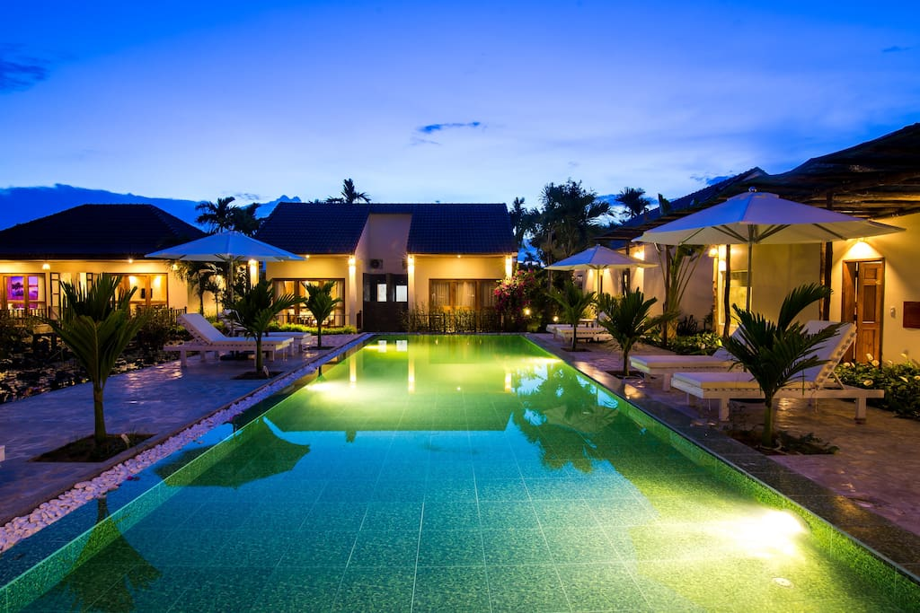 PASTORALE VILLAS  AT NIGHT BY THE POOL