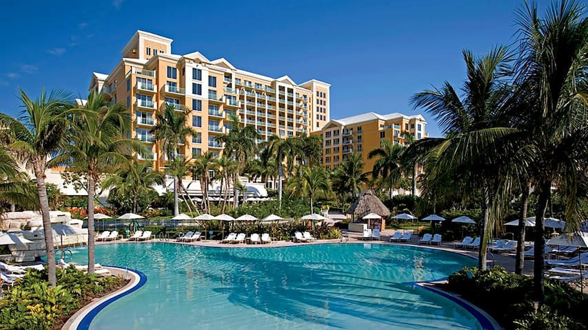 RITZ-CARLTON AMAZING 1 BDR SUITE (JUST RENOVATED) - Key Biscayne - Byt