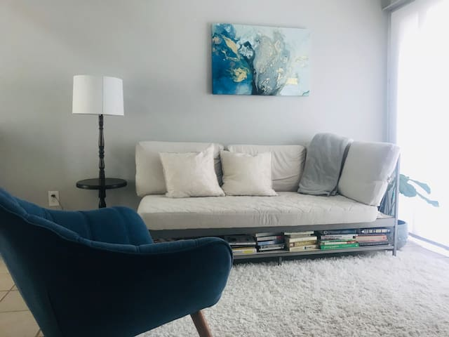 Loft Close to DT and Rainey Street