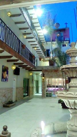 El Mesón de Don Jorge Hoteles - Comonfort - Boutique hotel