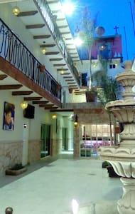 El Mesón de Don Jorge Hoteles - Comonfort - Hotel butique