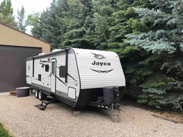 S.E Idaho Quiet Neighborhood. New Jayco trailer.