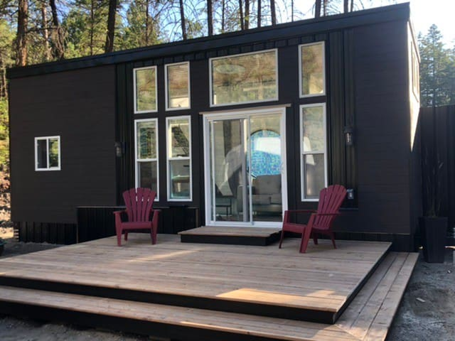 Beautiful modern rustic tiny home in the forest