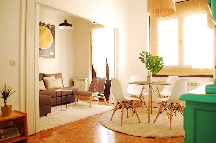 Sunny and cosy apartment in the centre of Madrid