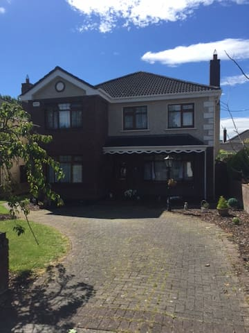 Modern Detached House in Celbridge - Celbridge - Talo