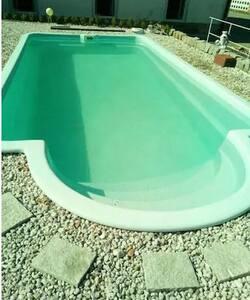 Vollausgestattete Ferienw.mit Pool/Garten