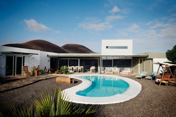 Cozy Suite in Beautiful Villa   Pool + Wifi