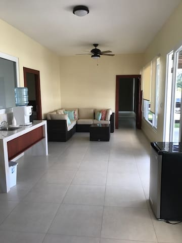 Quiet Private Room B w/ 3 Beds in gated community - La Ceiba - ห้องชุด