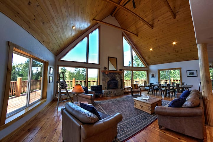 North Idaho cabin- great escape - Sagle