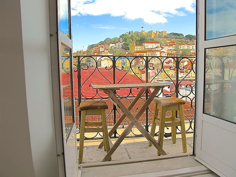 Balcony and great Castle view.