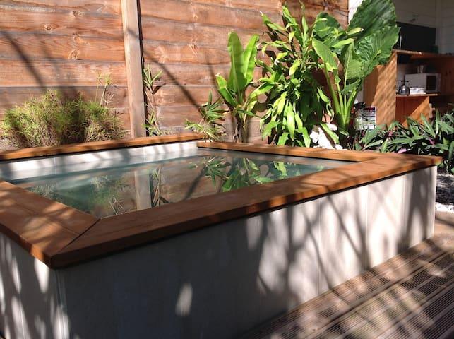 Gite Côté Cannes studio mini piscine 2p proche mer