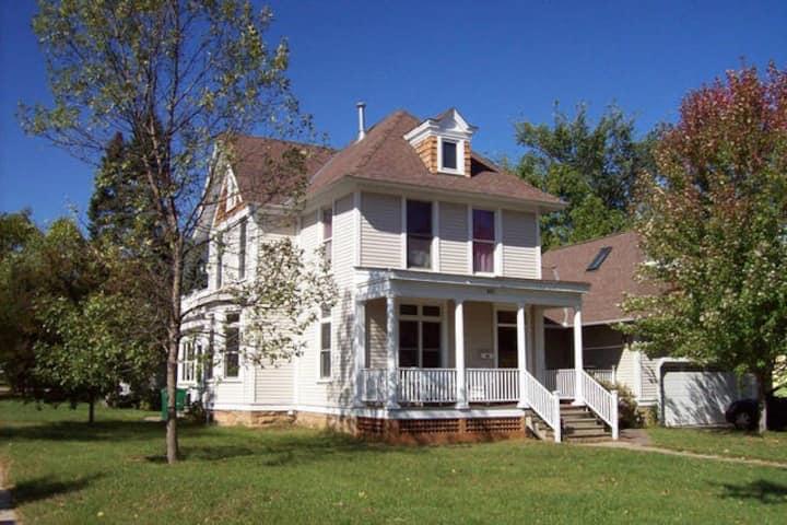 The Lodge (Whole house)
