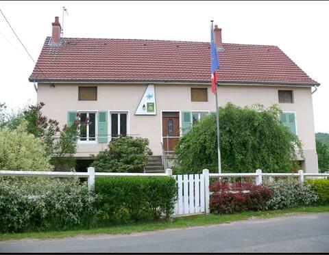 """PERREUIL : """"Le Marnon"""" un hébergement tout confort"""