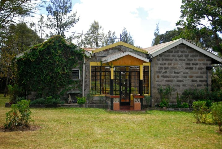 Mereroni River Cottage (MRC) - Nakuru - Dom
