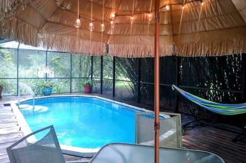 """""""Cowboy's Cabana"""" - Detached Suite w/ Pool & Porch"""