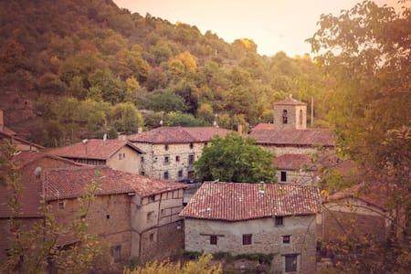 Habitación doble con encanto en Posada de Urreci