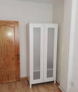 Habitación luminoso y tranquilo - Alcorcón