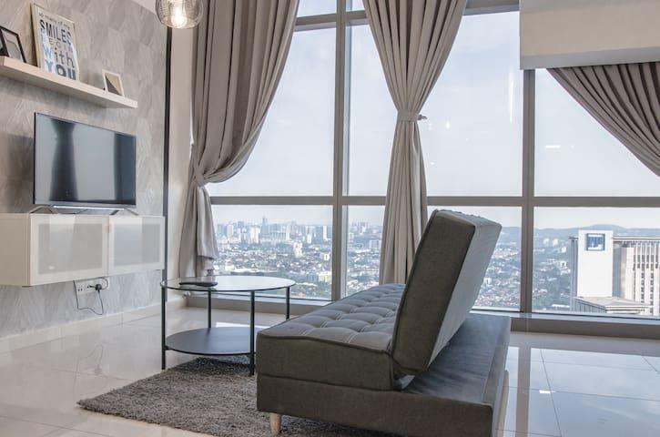 4paxs / Loft Apartment / Pinnacle PetalingJaya