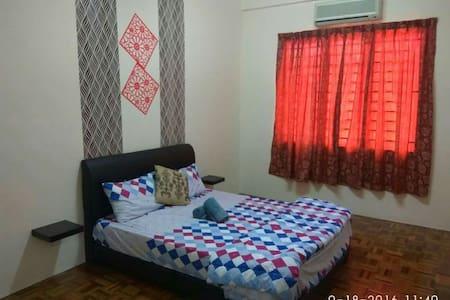 Sure Home stay- A home away from home - Kota Samarahan