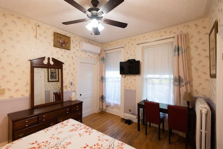 Prince Street Suites Room 1