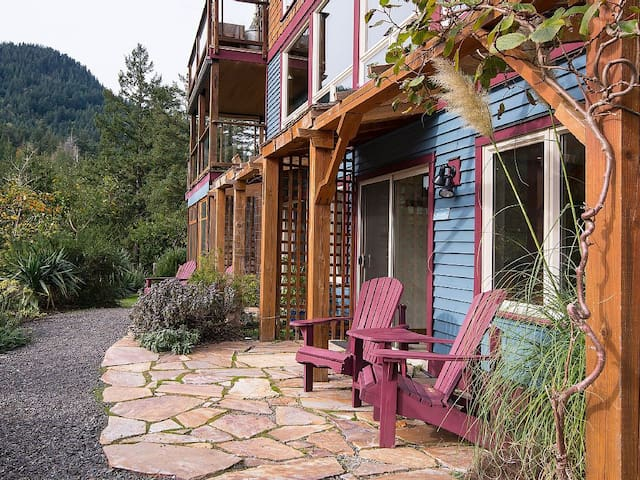 Hideaway bed and breakfast - Bowen Island - Aamiaismajoitus