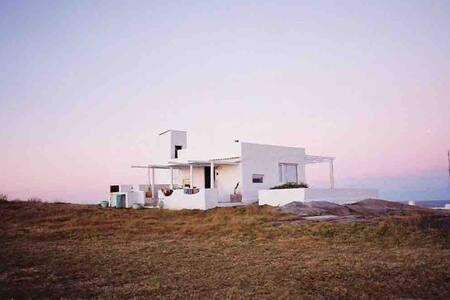 Aquelarre - Cabo Polonio