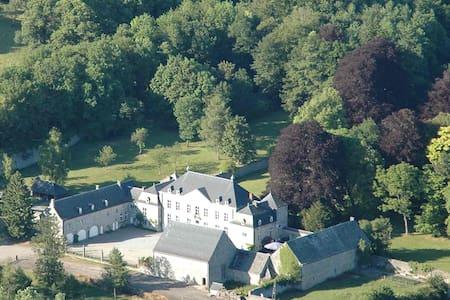 Chambres au château - Ciney - Schloss