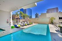 Modern Gaslamp Condo - w/parking and amenities