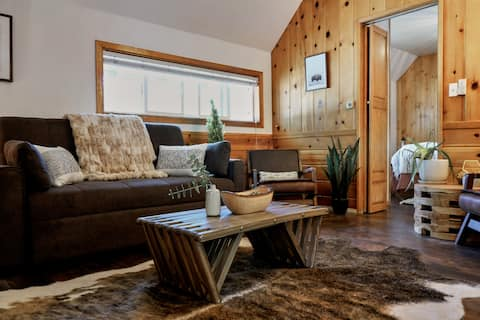 The Loop Cabin at Lake Front Cabins (Unit 9)