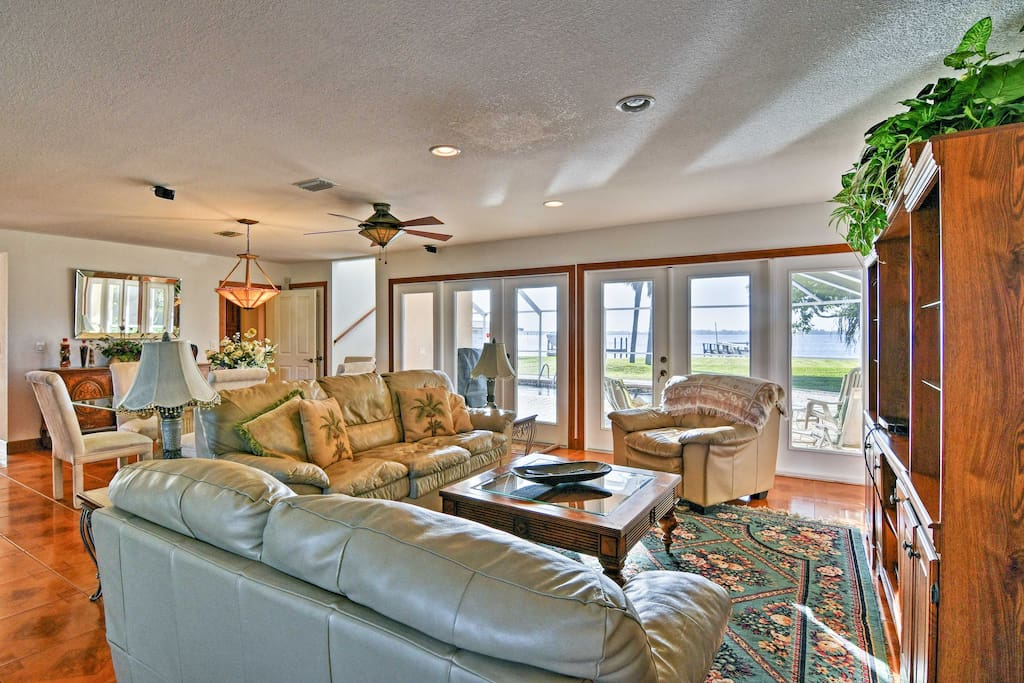 This spacious 2,334-square-foot property is perfect for 8 guests!