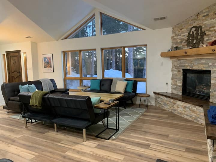 Angel Fire Vacation Home On Slopes