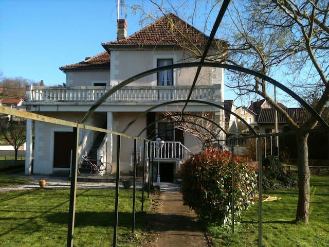 """Villa """"l'Oltoise"""" - Capdenac-Gare - Hus"""