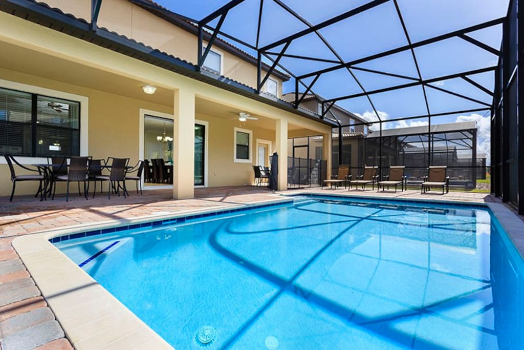 Enjoy your own private pool and lanai area, perfect for the morning breakfasts in the sun