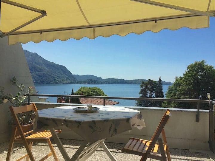 """""""La Casina"""" sul  Lago Maggiore ."""