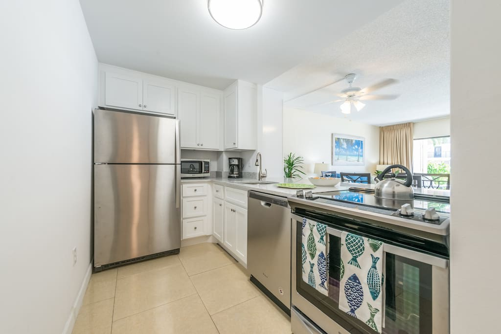 Enjoy cooking in this brand new (June, 2018) kitchen (new cabinets, quartz counters, new stainless appliances)