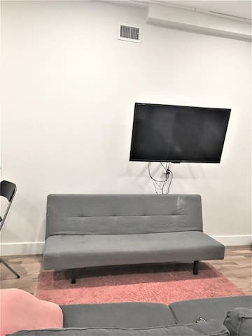 Newly furnished apartment for rent