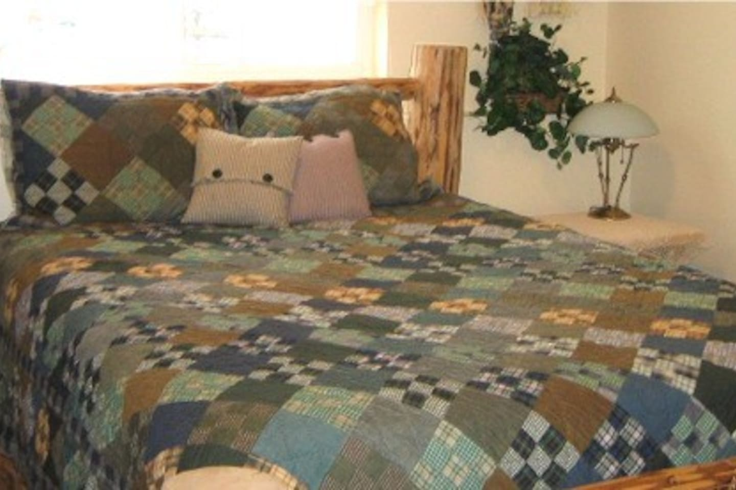 Lake Lucille B&B, Fireweed Room with Breakfast! - Bed and breakfasts ...