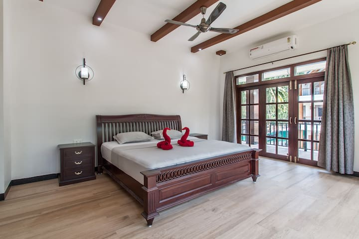 Villa in Calangute - Spacious and Balinese Style