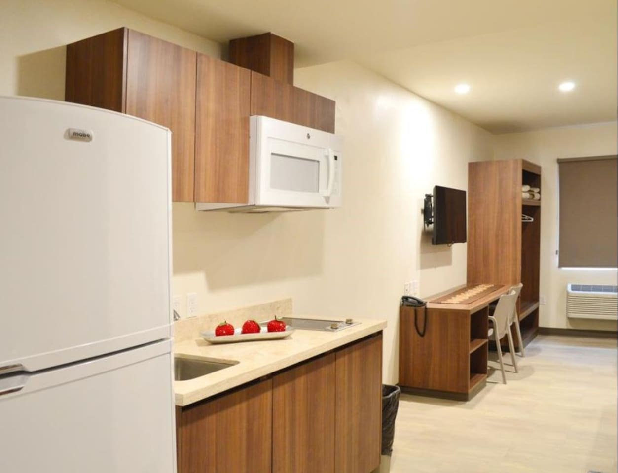 Welcome to your equipped and cozy suite in Ciudad del Carmen!