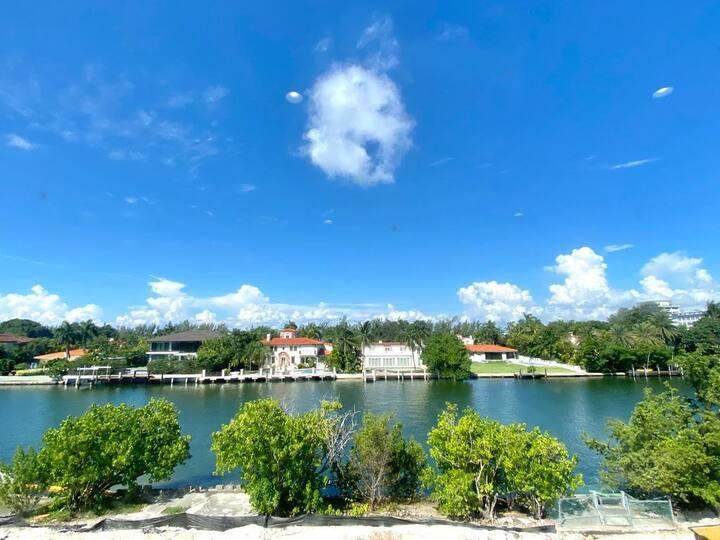 Bay View, Hidden gem with waterviews, cozy + clean