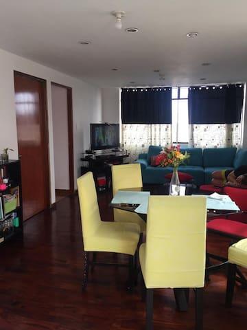 Habitación céntrica y tranquila